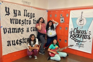 chicasrockeras at the lockers